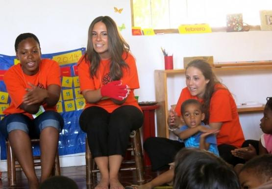 EER & EXE students volunteer at 3 Mariposas Montessori - Dominican Republic International Teaching and Learning program